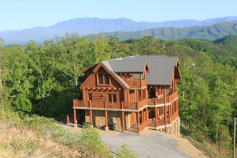Majestic Mountaintop Retreat - Above All (but One) - Image 1 - Pigeon Forge - rentals