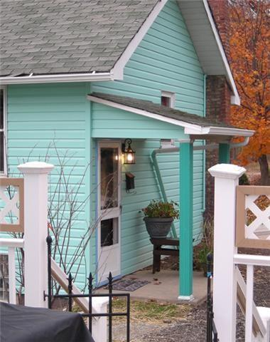 Charming Cottage EASY Access 4 work travel & fun - Image 1 - Youngwood - rentals