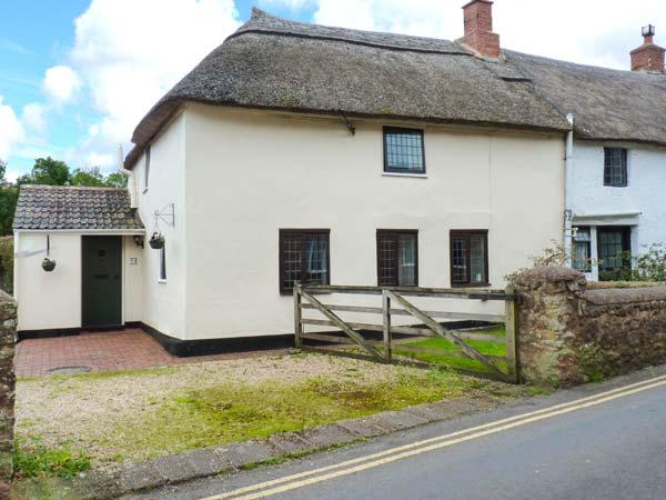 DAISY COTTAGE, character features, off road parking, good base for Exmoor and coast, Ref. 10044 - Image 1 - Williton - rentals