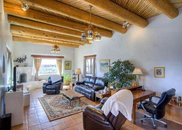HOUSE OF THE LAUGHING BEAR - Image 1 - Taos - rentals