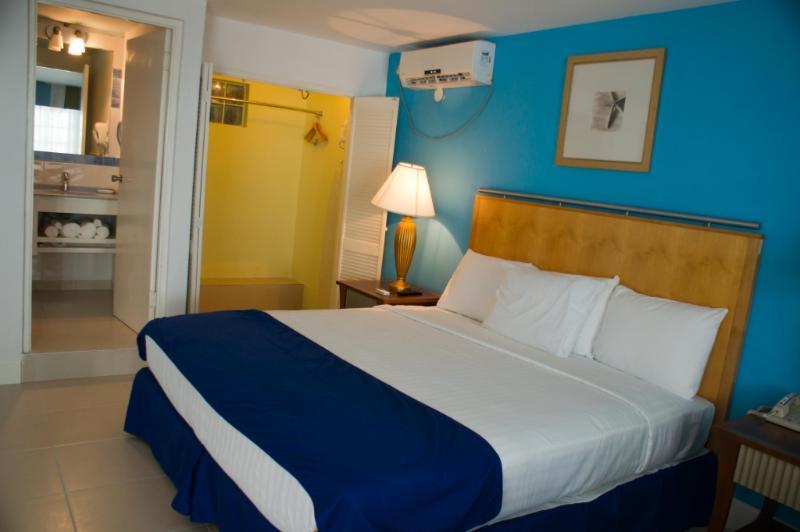 PARADISE PGH - 138233 - STANDARD ROOM - Image 1 - Montego Bay - rentals
