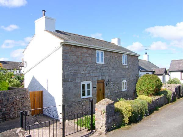 PEN Y PARC, character holiday cottage, with a garden in Gwaenysgor Near Prestatyn, Ref 2066 - Image 1 - Gwaenysgor Near Prestatyn - rentals