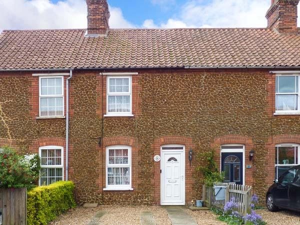 PENNY COTTAGE, enclosed garden, pet-friendly, open fire, Ref 912405 - Image 1 - Heacham - rentals
