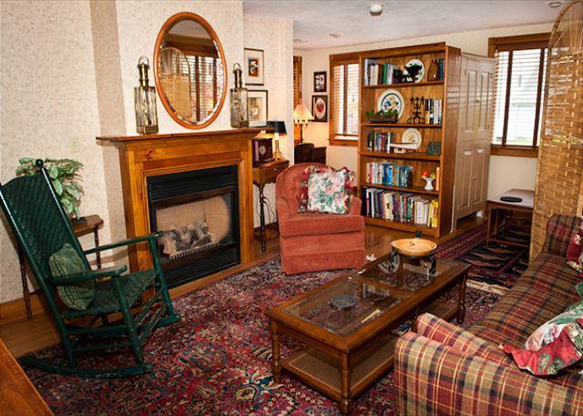 Living Room - Millard's Nook - 1BR/1BA Cozy Historic Hideaway Near Finger Lakes - Moravia - rentals