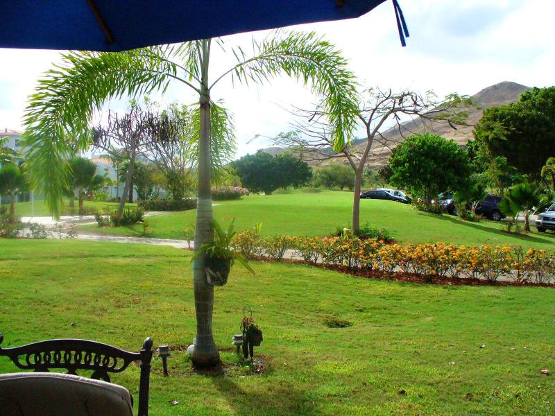 View of the golf course from the balcony - El Legado Golf Resort - Guayama - rentals