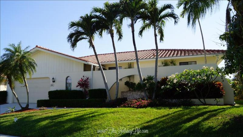 EDGEWATER - Waterfront Sunset Views, Watch Dolphins Play! - Image 1 - Marco Island - rentals