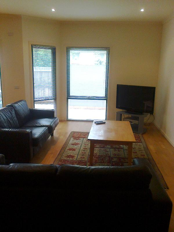 Living - Brighton - Large And Bright 2 Bedroom Apartments - Hampton - rentals