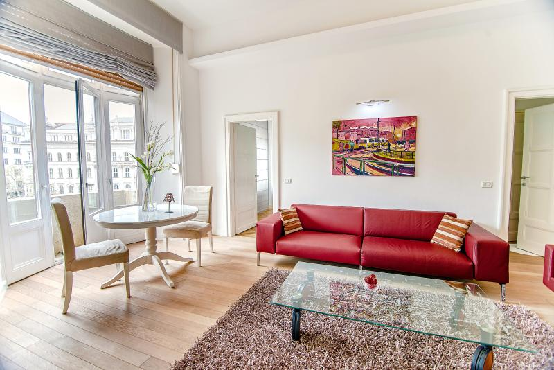 Living-room - Royal Danube Apartments- with view for downtown - Budapest - rentals