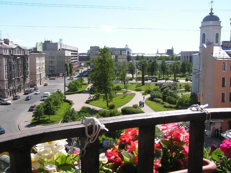 Panoramic view from balcony. - Comfortable 4 room apartment. - Saint Petersburg - rentals