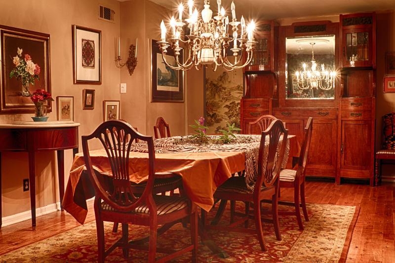 Dinningroom - Breezeway Studio Manor- Near Tybee Island (queen bed) - Savannah - rentals
