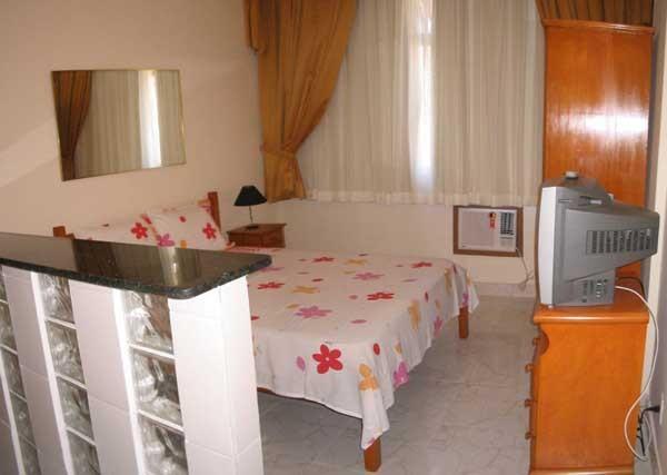 sleeping room - Marvelous Studio in Copacabana 2 Blocks from the B - Rio de Janeiro - rentals