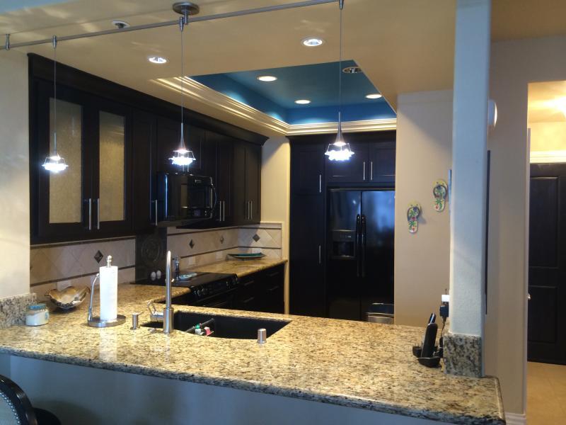 Gourmet Kitchen - Luxury 1 bed condo gorgeous view Newport Beach - Newport Beach - rentals