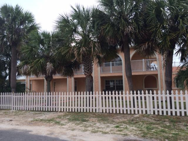 2 story 4b/3b beach house. Highly Romantic and very beautiful. (Front view). - Beautifual Romantic Beach House - Panama City Beach - rentals