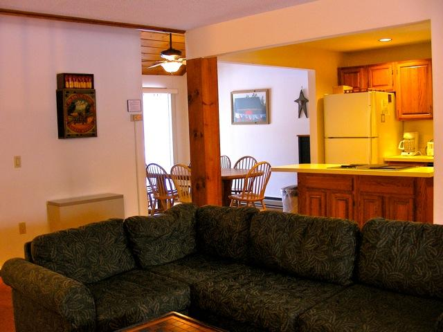 Living/Kitchen/Dining Area - Highly Rated Stonehurst Condo, North Conway, NH - North Conway - rentals