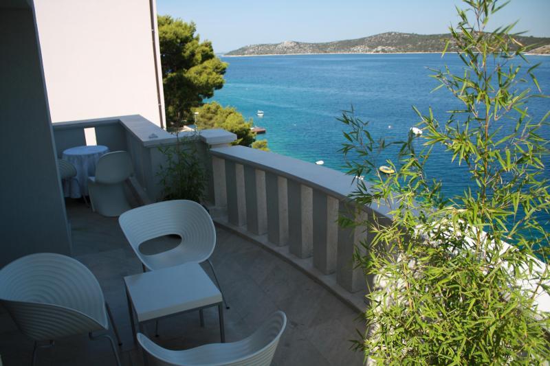 Apartments Šparadići 4 - Image 1 - Sibenik - rentals