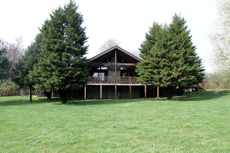 Rustic, country comfort for gatherings - Large Groups / Weddings ~ Rustic Log Cabin Lodge - Dandridge - rentals
