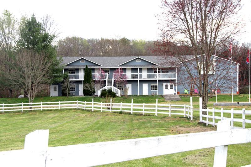 Large Groups ~ Lodge, Affordable, Family Friendly - Image 1 - Dandridge - rentals