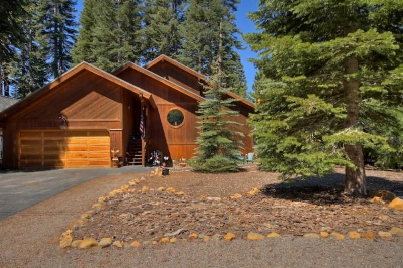 Granlibakken Neighborhood Cabin on Tahoe City's West Shore - Image 1 - Tahoe City - rentals