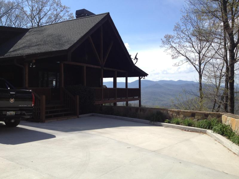 Home Entrance - Black Bear Lodge-Long Range Mountain Views - Sky Valley - rentals