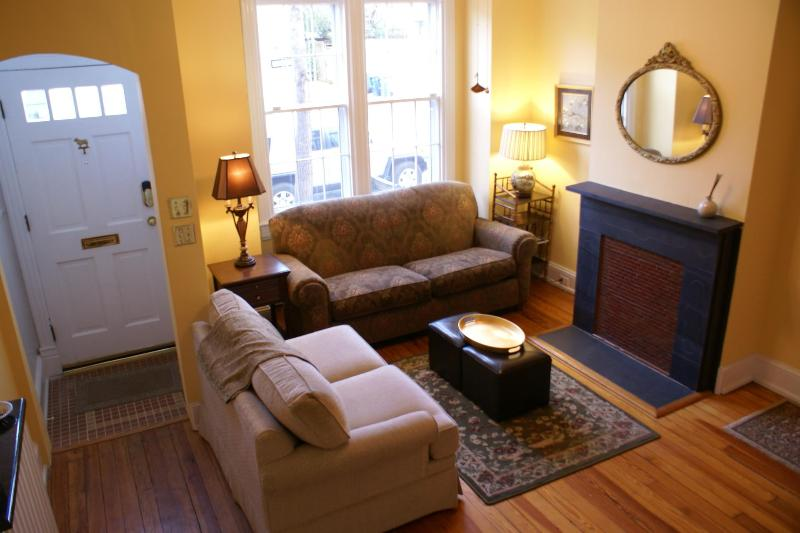 Living Room - Historic Capitol Hill Home in Prime Location! - Washington DC - rentals