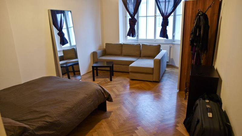 Master bedroom - Large renovated apt 2-7 w/balcony - Prague - rentals