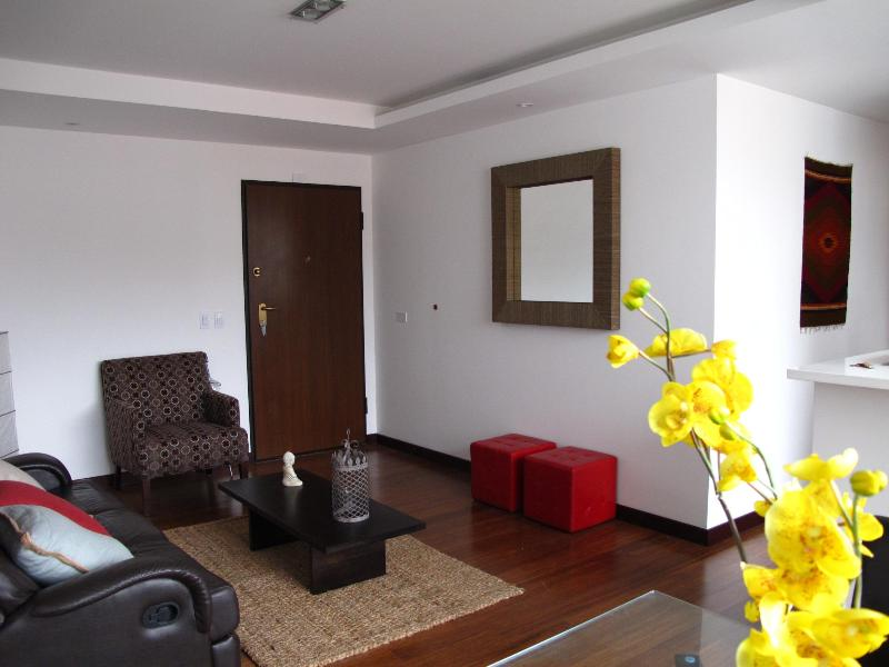 Livingroom - Centric Brand New High-end Suite - Quito - rentals