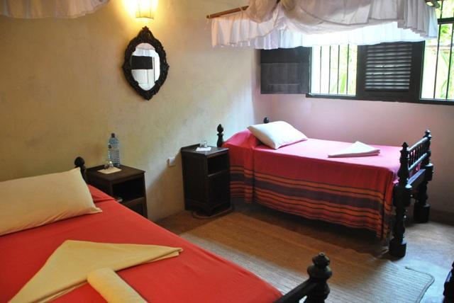 Sandcatsles Twin bedroom - Fatumas Tower: Sand Castle Cottage - Lamu - rentals