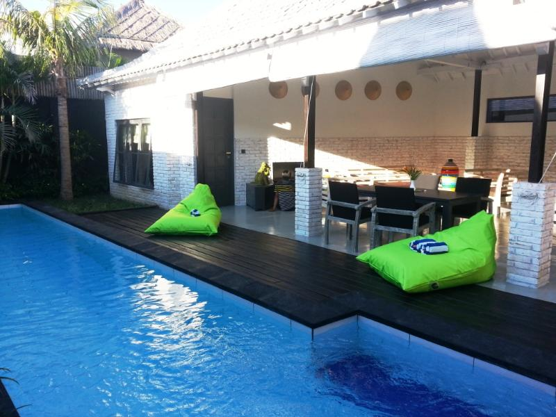 Large private swimming pool and open villa - Bali Villa KAZZ 300 m from the beach - Canggu - rentals
