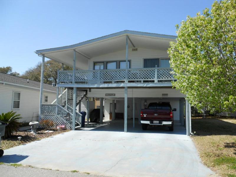 """2137 Lark, Oceanside Village, Surfside Beach, SC - 9 Ocean """"Peeks"""" at Surfside. - Surfside Beach - rentals"""