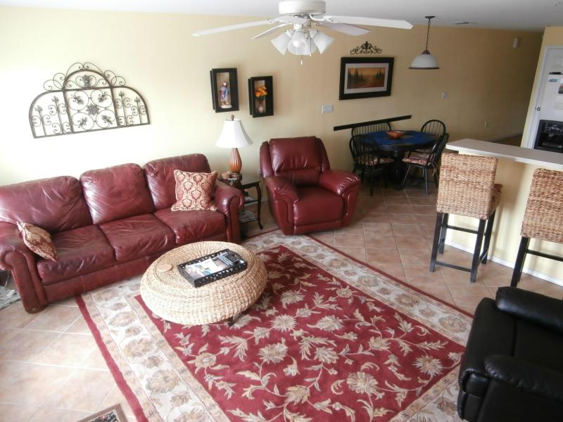 Pull out couch in the livingroom - G302  - Guadalupe River Water Wheel Resort Condo - New Braunfels - rentals