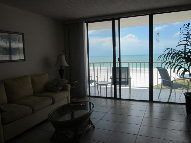 living room entrance to patio - Beautiful views from 18th floor condo with free WIFI - Marco Island - rentals