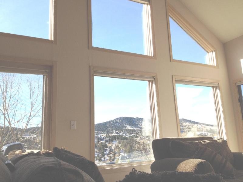 *Large Windows Looking Out At Views-On Side of Mtn* - FOOTHILLS OF DENVER-LUXURY HOUSE-VIEWS-SIDE-OF-MTN - Denver - rentals