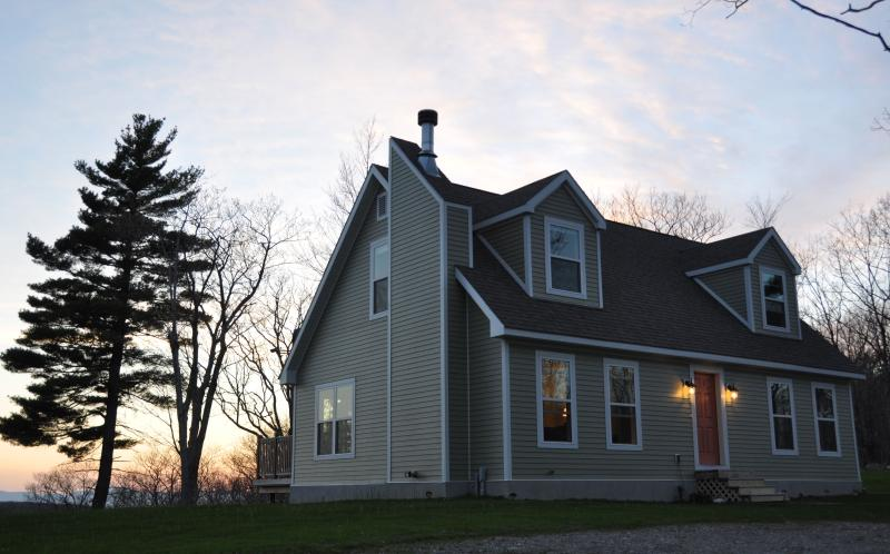 Cozy, roomy, newly constructed cape cod style home - Mountain Views Atop Blueberry Hill on 40 Acres - Austerlitz - rentals