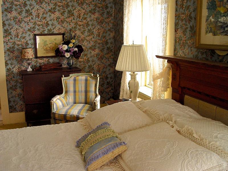 Yountsville Mill - Inn B & B- Garden Room - Image 1 - Crawfordsville - rentals