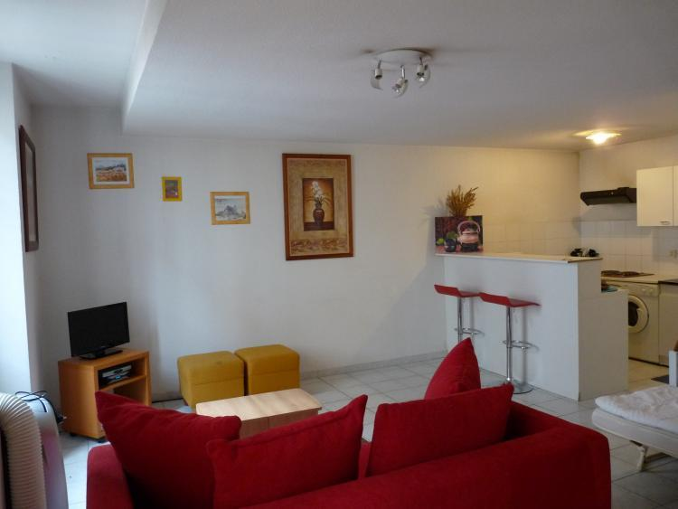 Idee, Lovely Studio Apartment in Great Cannes Location - Image 1 - Cannes - rentals