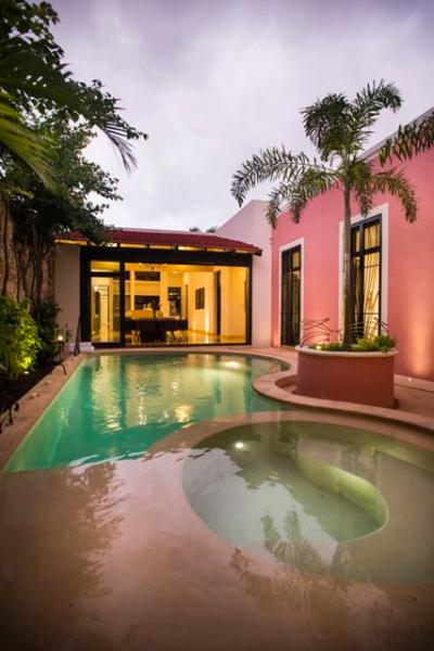 Heated pool - Villa Rosa is a luxury home in the historic centre - Merida - rentals