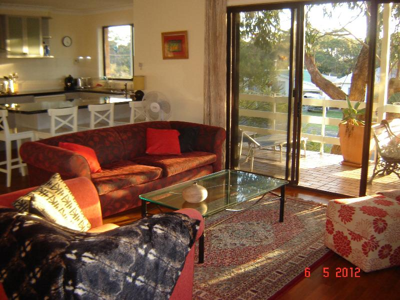 Open plan living area - Holiday at the Beach - SeaBreezes - Currarong - rentals