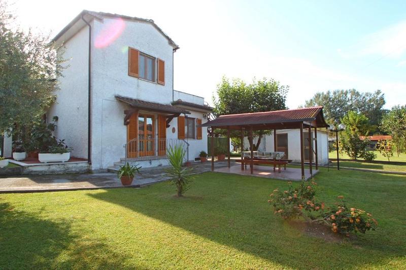 Vacation Home in Montignoso near Sea - Tuscany - Image 1 - Montignoso - rentals