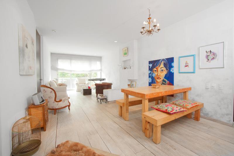 Charming 2 Bedroom Apartment in Zona T - Image 1 - Bogota - rentals