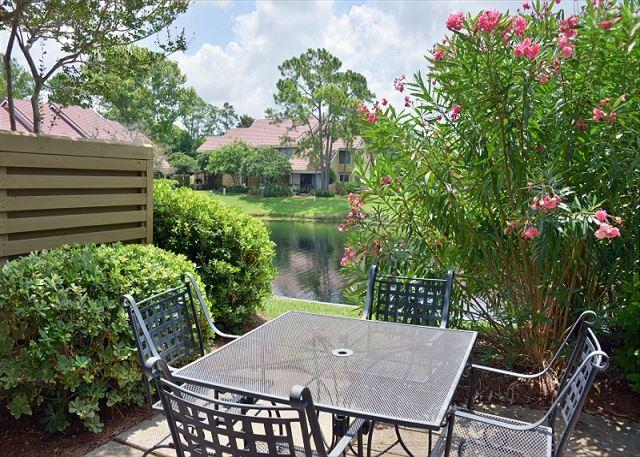 Back patio of beautiful villa - NOW TAKING SHORTER STAYS. - Sandestin - rentals