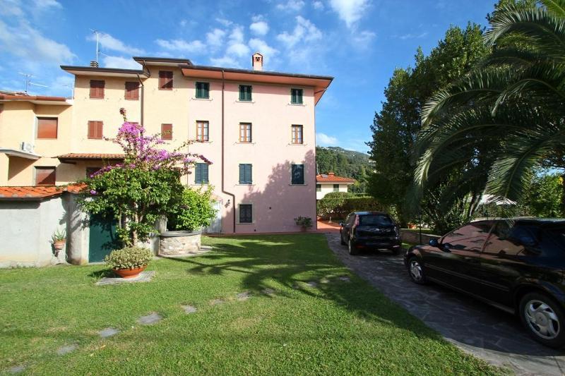 Holiday Home near Pietrasanta - Image 1 - Pietrasanta - rentals