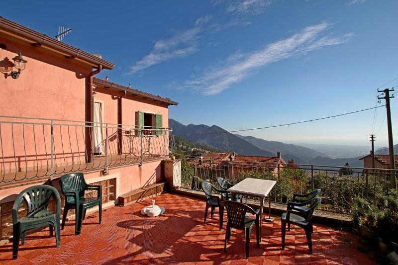 Apartment with Garden and Sea View in Tuscany - Image 1 - Riomagno - rentals