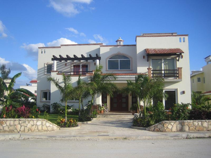 House front - Luxury Ocean View Villa Andalucia 6000sq.ft.in Pla - Playa del Carmen - rentals