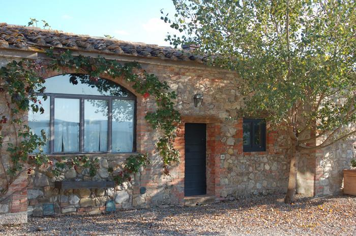 Red House - Apartment with swimming pool in Val d'Orcia - Image 1 - Castiglione D'Orcia - rentals
