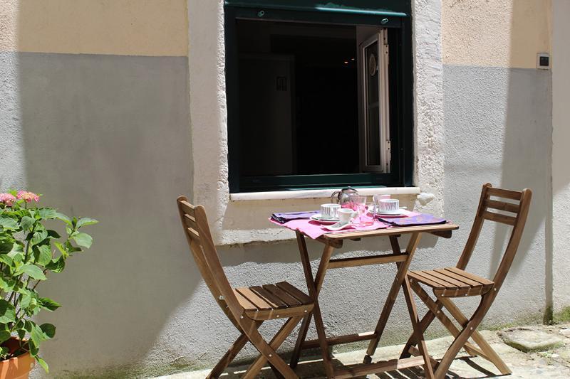 Patio - Cosy double bedroom apartment downtown Lisboa - Lisbon - rentals