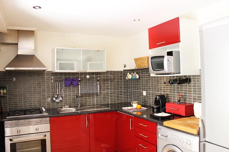 Kitchen - Cosy double bedroom apartment downtown Lisboa - Lisbon - rentals