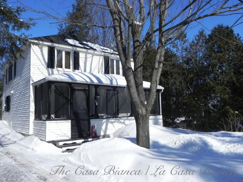The Casa Bianca - Country living in scenic Hudson, Quebec - Oka - rentals