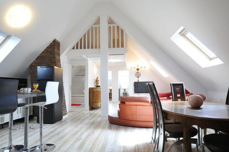 4 Creativ Penthouse Apt. near VERSAILLES 6-8 Pers. - Image 1 - Saint Cyr l'Ecole - rentals