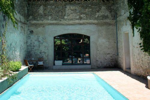Fantastic heated courtyard pool - Manor House With Heated Pool - Family friendly chi - Paulhan - rentals