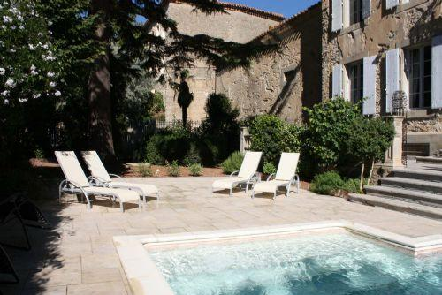 Perfect spot on a sunlounger by the pool - Manoir Theron - Huge family friendly maor house wi - Pepieux - rentals